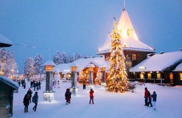 central-plaza-santa-claus-village-rovaniemi-lapland-finland (1)